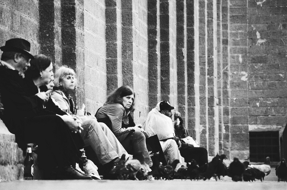 #streetphotography #people #peoplephotography #blackandwhitephotography  #perspectives  #blackandwhite #pigeons #florence
