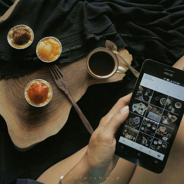 #coffee #beautiful #onmyblacktable #mycoffee_diary #flatlay #breakfast #darktone #softtone #food #foodphotography #onthetable #sony #photography #lifestyle #stilllife
