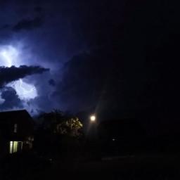 lightning rayos rain