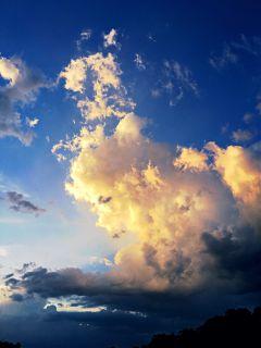 cloudsandsky cloudimagery magical temperatureadjust