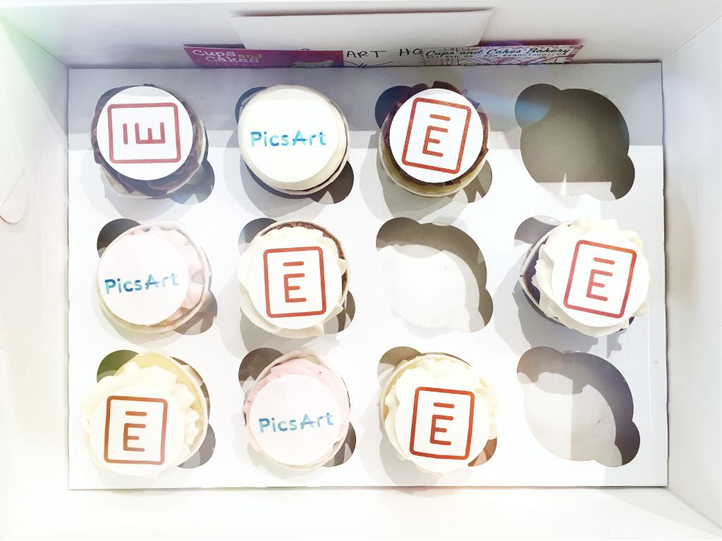 Thanks to @envoy for the cupcakes!